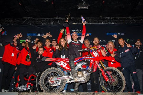 Flawless Win for Ken Roczen at Glendale Triple Crown Supercross