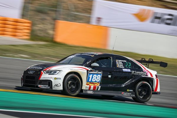 24H Series - AC Motorsports leads the Audi patrol