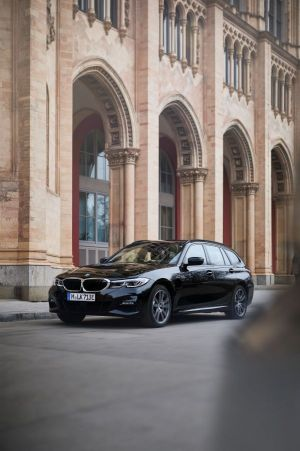BMW 3 Series model range expands to include four plug-in hybrid models