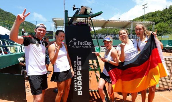 Porsche Team Germany qualifies for Fed Cup finals