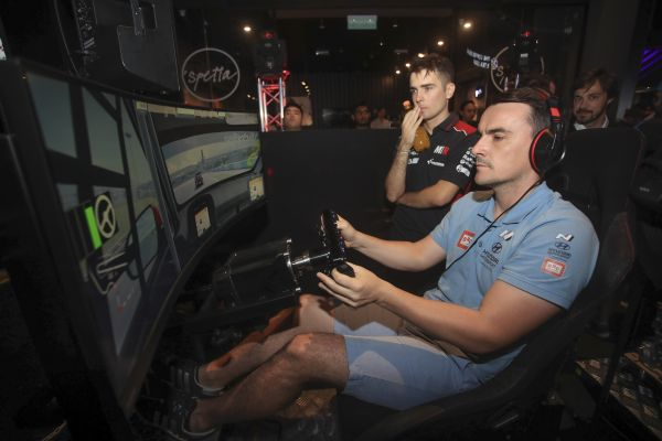 Esports WTCR drivers in action, how to follow