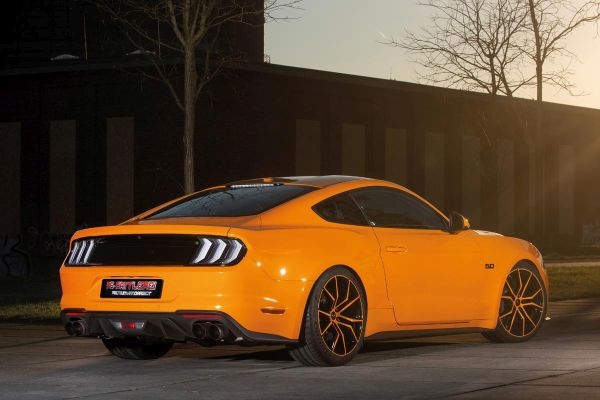 PS-Sattlerei, Ford Mustang GT - Fury Orange Mustang with spectacular interior