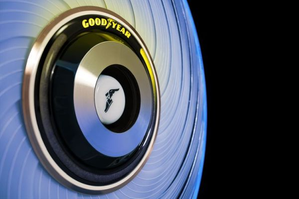 The Goodyear reCharge Concept - Making Tyre Changing Easy with Customized Capsules that Renew your Tyres