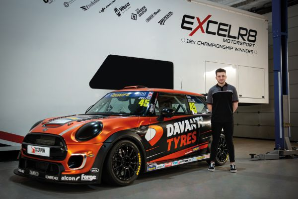 Dan Zelos aims to be 'Leading the Way' in 2020 with Davanti Tyres support
