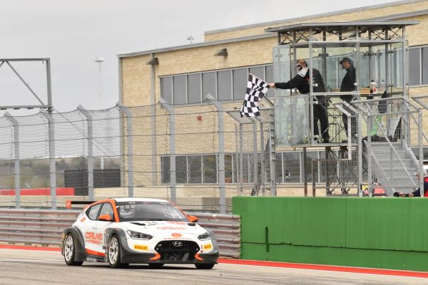 Dominant debuts for Hyundai Veloster N TCR pairing Maxson and Reger at Cota