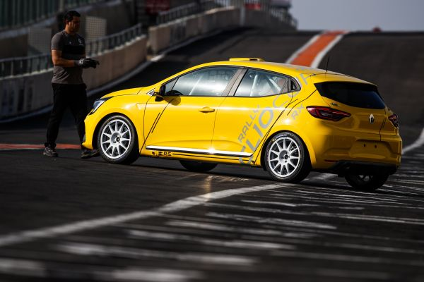 The Clio Cup France opens a new era at Nogaro