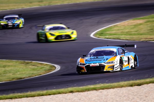 Plenty of excitement: ADAC GT Masters season opener at Lausitzring