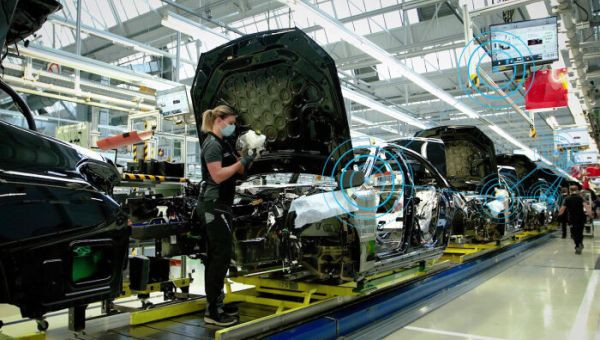 Digital Mercedes-Benz production ecosystem MO360: global production networked in real time