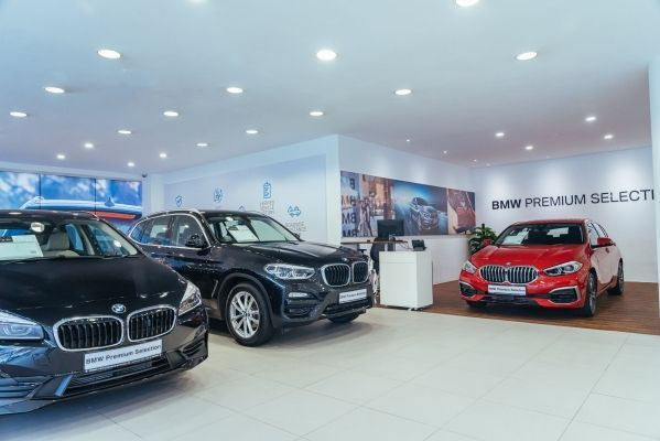 BMW opens third Performance Premium Selection Limited showroom in Singapore.