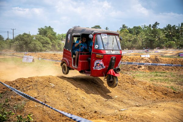 Racers battle tough Sri Lankan terrain at Red Bull Tuk It