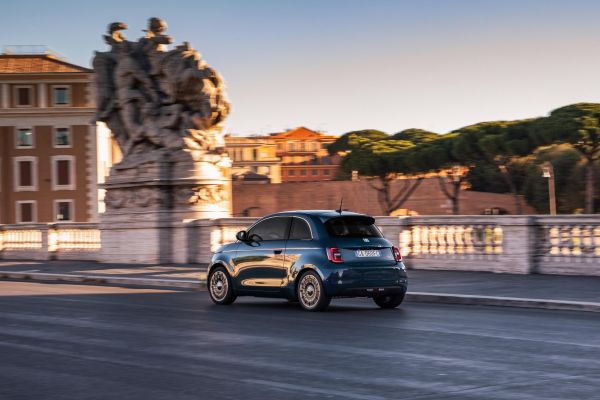 Reservations open for all-electric new Fiat 500 Hatchback