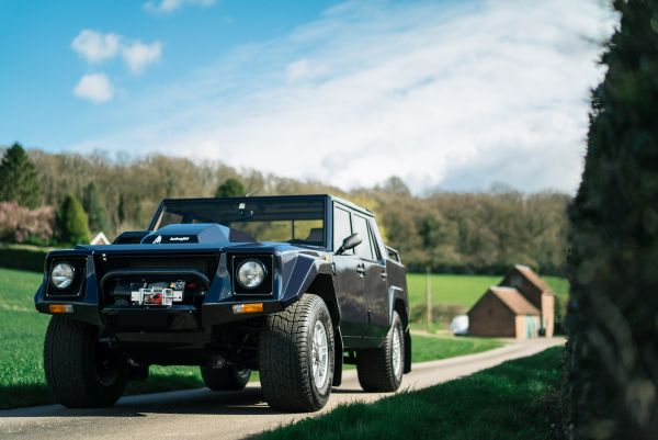 Bell Sport and Classic brings Lamborghini's original super SUV, the LM002 - back to life