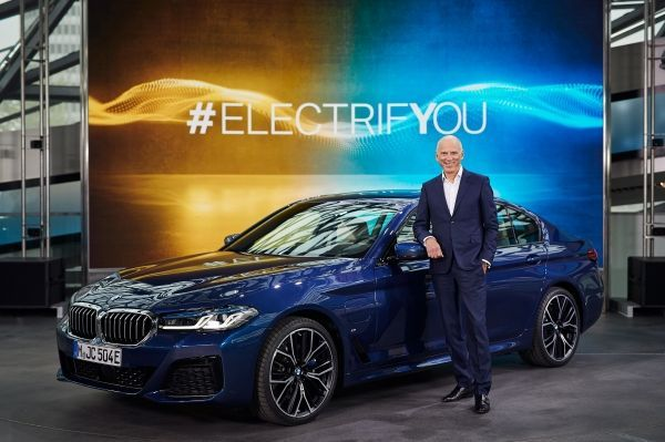 Interview with Pieter Nota on the BMW Group's plug-in hybrid vehicles