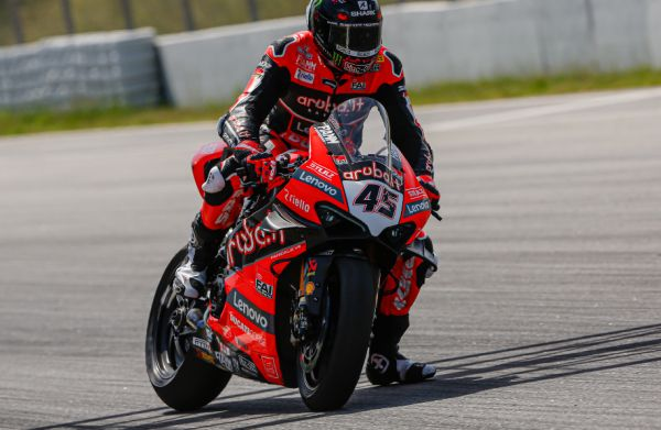 Redding beats Rea for fastest time on WSBK test day 1 in Barcelona - videopass here