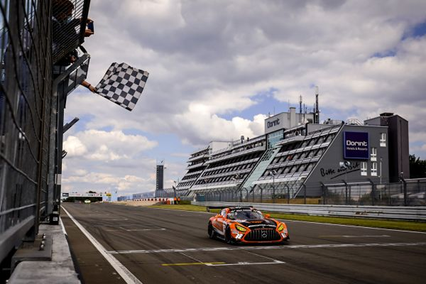 Victory and third place for Mercedes-AMG Motorsport in Nürburgring Endurance Series