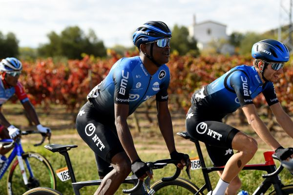 Dlamini and Barbero sign-on with Team Qhubeka ASSOS