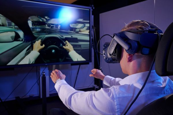 Virtual collaboration -BMW Group is using technology from the gaming sector .