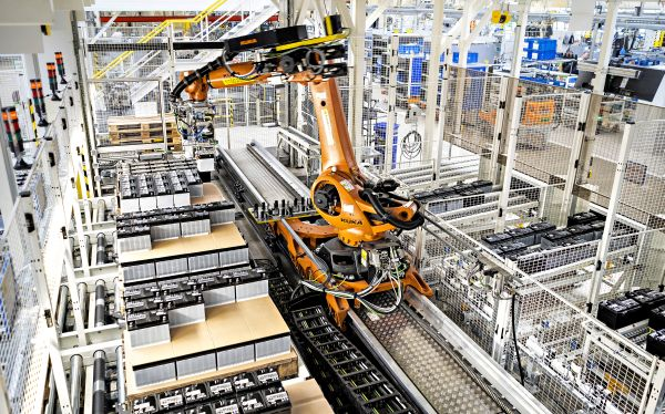 Robot delivers just-in-sequence parts directly to the production line at the SKODA AUTO plant in Kvasiny