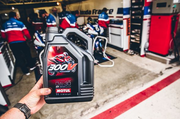 NEW MOTUL 300V 4T F.L. Racing Kit oil launched in partnership with Honda