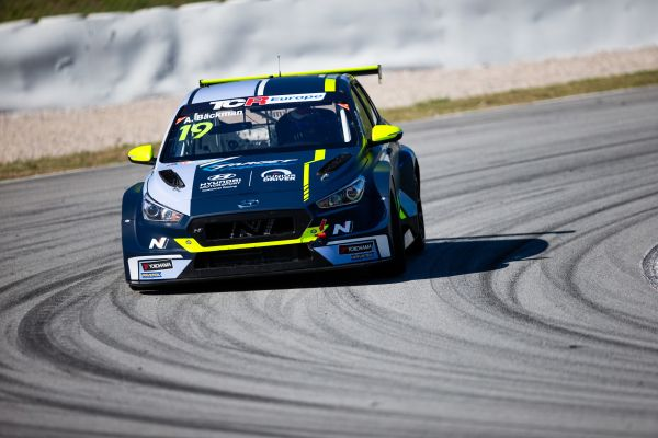 Junior Driver Bäckmann takes first TCR Europe win of 2020