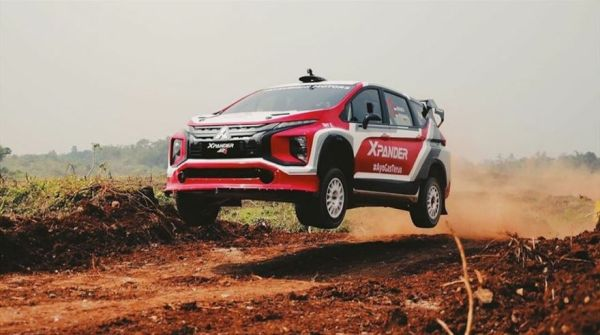 First Trial of the World's First Rally MPV Crossover, the Mitsubishi XPANDER AP4 - with video