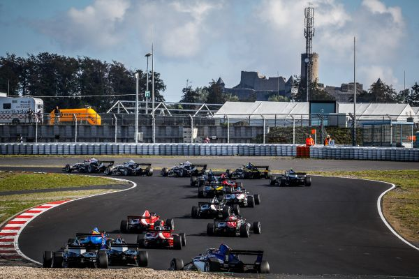 Back to the future -Formula Renault Eurocup Zandvoor