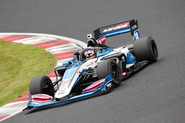 carrozzeria Team KCMG recovers well to score points in Okayama
