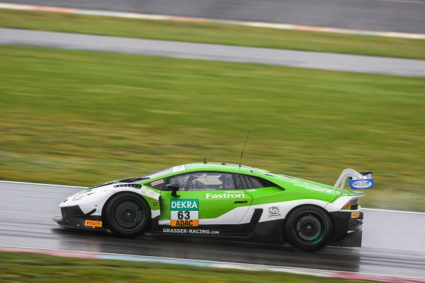GRT Grasser Racing Team show fighting spirit at the Lausitzring with heroic charge through the field