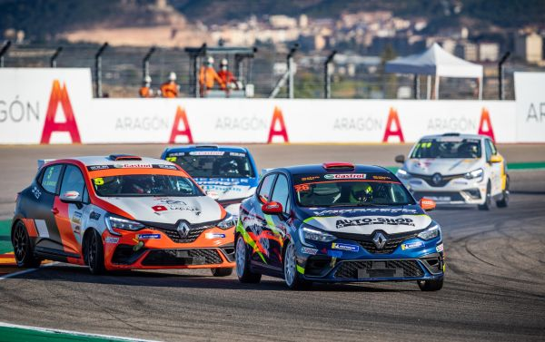 Clio Cup France and Spain - Double stakes in Barcelona