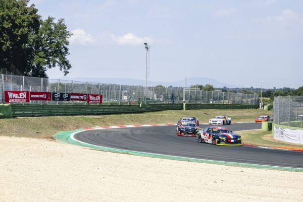 GP NASCAR ITALIE Tobias Dauenhauer mène drapeau à drapeau pour remporter sa première victoire en EuroNASCAR - Résultats  - Championnat d'Europe 2020