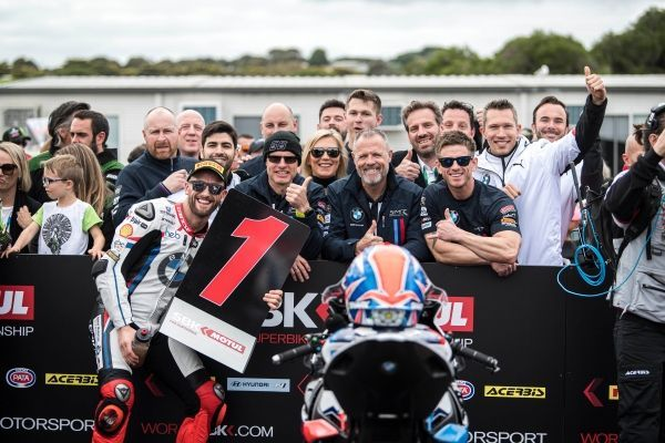 bmw motorrad worldsbk team and tom sykes to race together