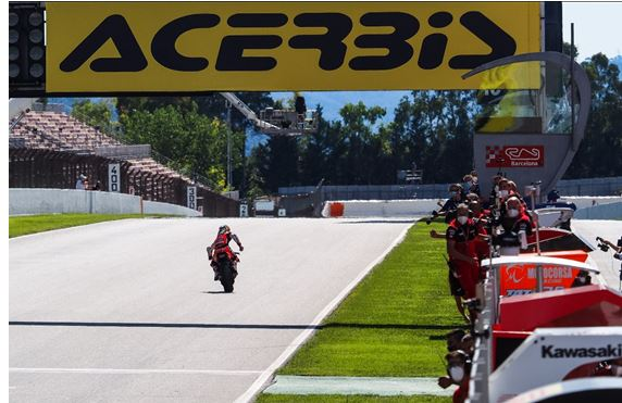 #CatalanWorldSBK - Day 3 Davies pips van der Mark in titanic Catalunya battle, Gerloff scores maiden podium