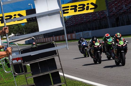 Okaya secures sensational historic victory in chaotic WorldSSP300 Race 2