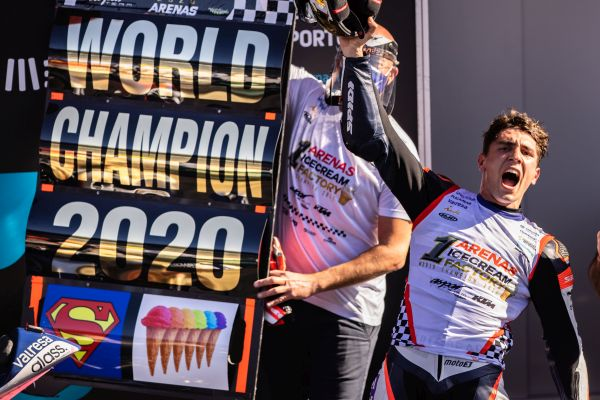 Albert Arenas lifts 2020 MOTO3™ World Championship in Portugal