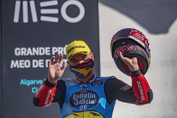 Sam Lowes signs off from 2020 with unbelievable podium finish in Portugal