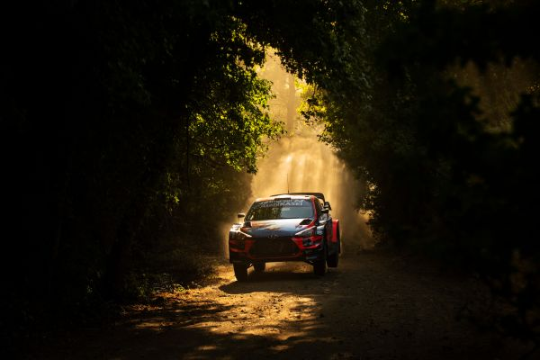 Veteran Sebastien Loeb turns back clock to lead Rally Turkey after Friday