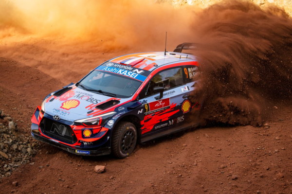 Classy Loeb lays down the gauntlet with early lead in Rally Turkey