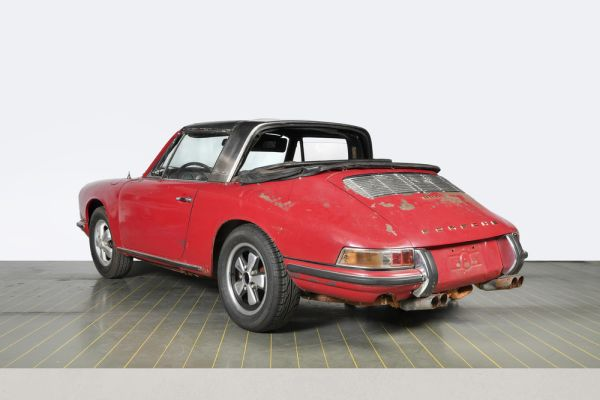 Porsche 911 S Targa - Factory restoration in perfect form