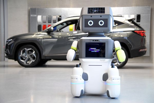 Hyundai Motor Group Introduces Advanced Humanoid Robot 'DAL−e' for Automated Customer Services