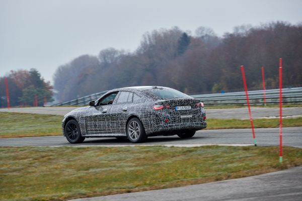 Simply accelerating fast in a straight line is not enough for BMW, with video