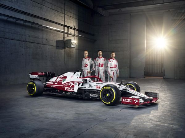 Alfa Romeo Racing ORLEN unveils the new C41 in Warsaw
