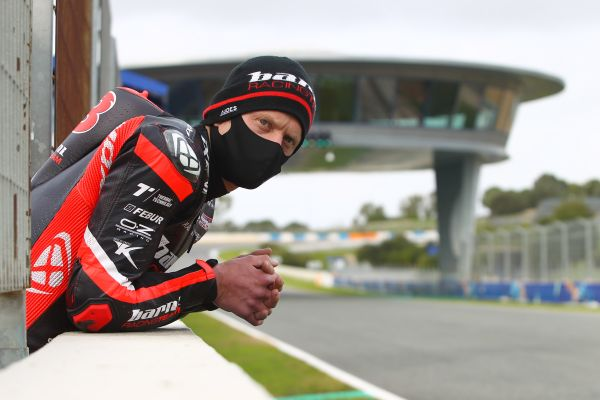 Difficult track conditions restrict running again at Jerez