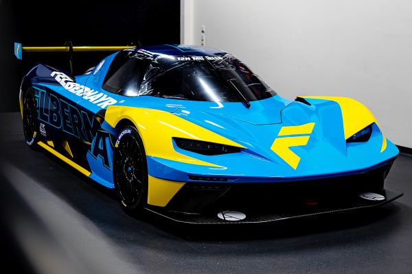 Legendary Felbermayr colors are back - International top team starting in the 24h series