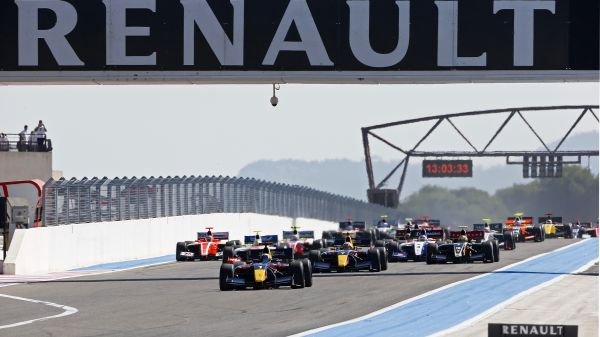 Carlos Sainz wins FR3.5 ahead of two Frenchmen at Le Castellet