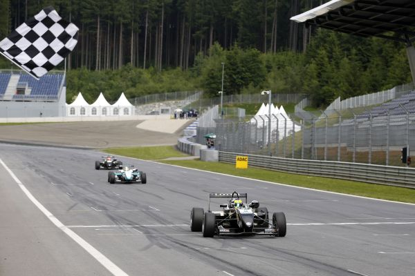 Indy Dontje claims debut win in ATS Formula 3 Cup