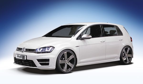 h r elects the vw golf rs to be the star of the curves. Black Bedroom Furniture Sets. Home Design Ideas