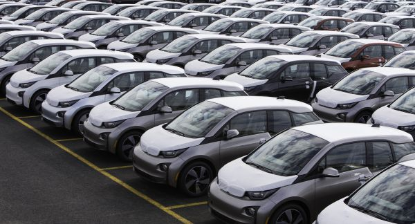 BMW Delivers First All-Electric i3 in the U.S.
