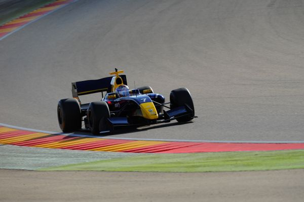 Nicholas Latifi ends the 2014 season in style at Motorland Aragon