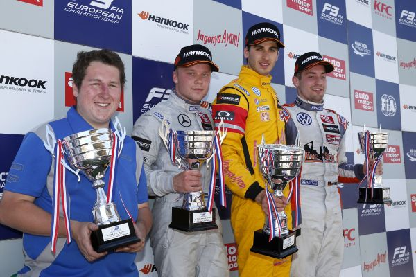 Giovinazzi takes fourth FIA F3 win at Zandvoort